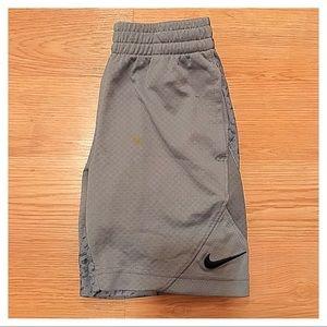 {Nike} Shorts, 5 (S)